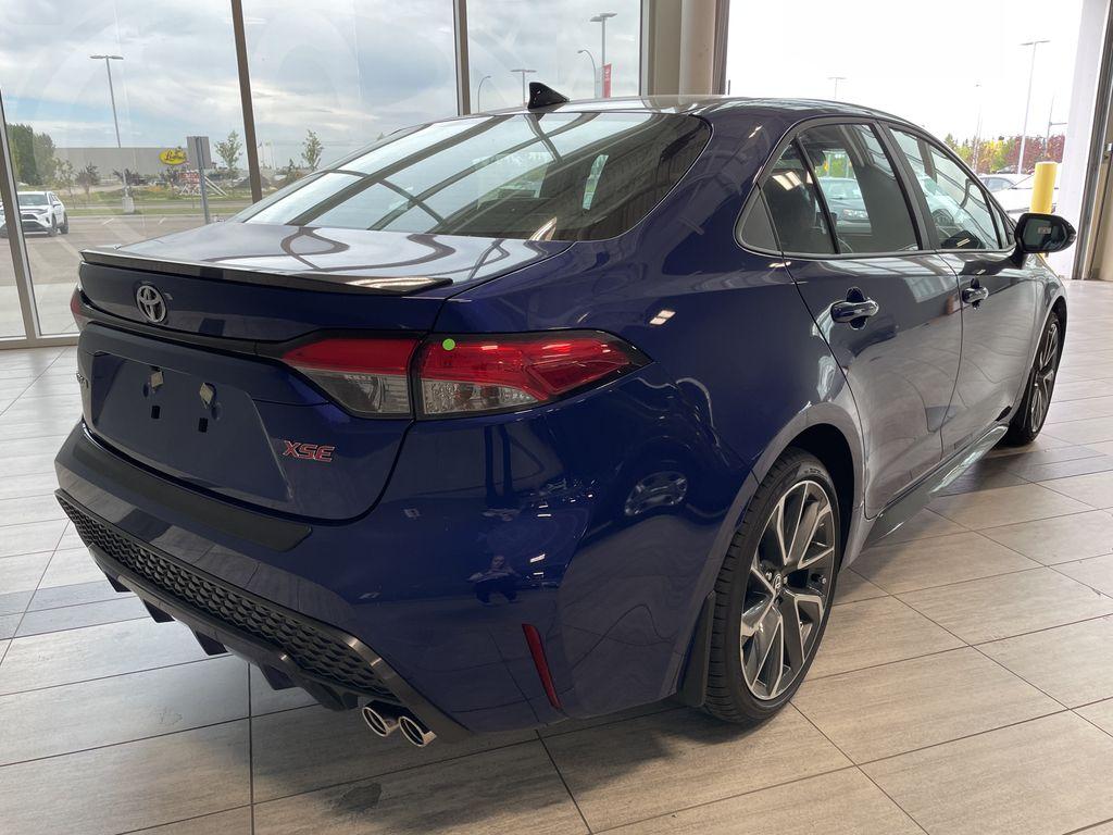 Blue Crush Metallic W/Black Roof 2022 Toyota Corolla XSE Rear of Vehicle Photo in Edmonton AB