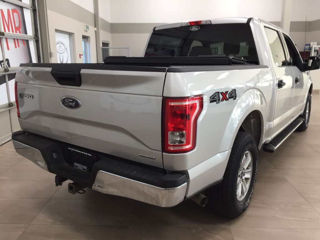 SILVER 2016 Ford F-150 XLT SUPERCREW Right Rear Corner Photo in Sherwood Park AB