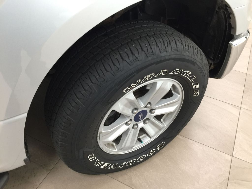 SILVER 2016 Ford F-150 XLT SUPERCREW Right Front Rim and Tire Photo in Sherwood Park AB