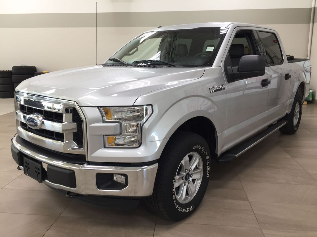 SILVER 2016 Ford F-150 XLT SUPERCREW Left Front Corner Photo in Sherwood Park AB