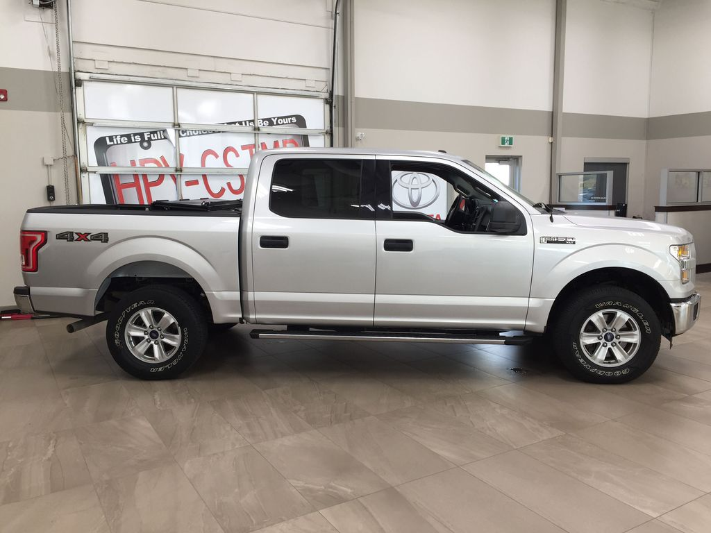 SILVER 2016 Ford F-150 XLT SUPERCREW Right Side Photo in Sherwood Park AB
