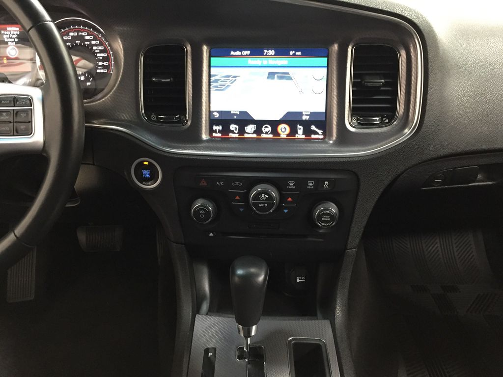 Black[Phantom Black Tri-Coat Pearl] 2014 Dodge Charger R/T LEATHER SUNROOF Central Dash Options Photo in Sherwood Park AB