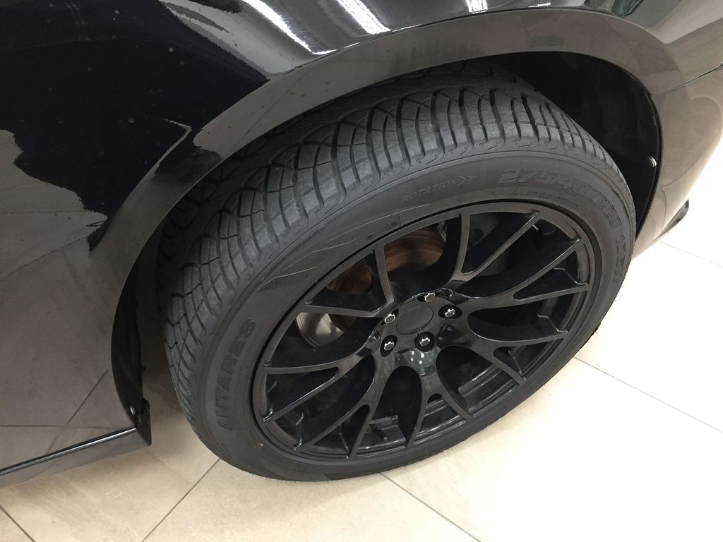 Black[Phantom Black Tri-Coat Pearl] 2014 Dodge Charger R/T LEATHER SUNROOF Right Front Rim and Tire Photo in Sherwood Park AB
