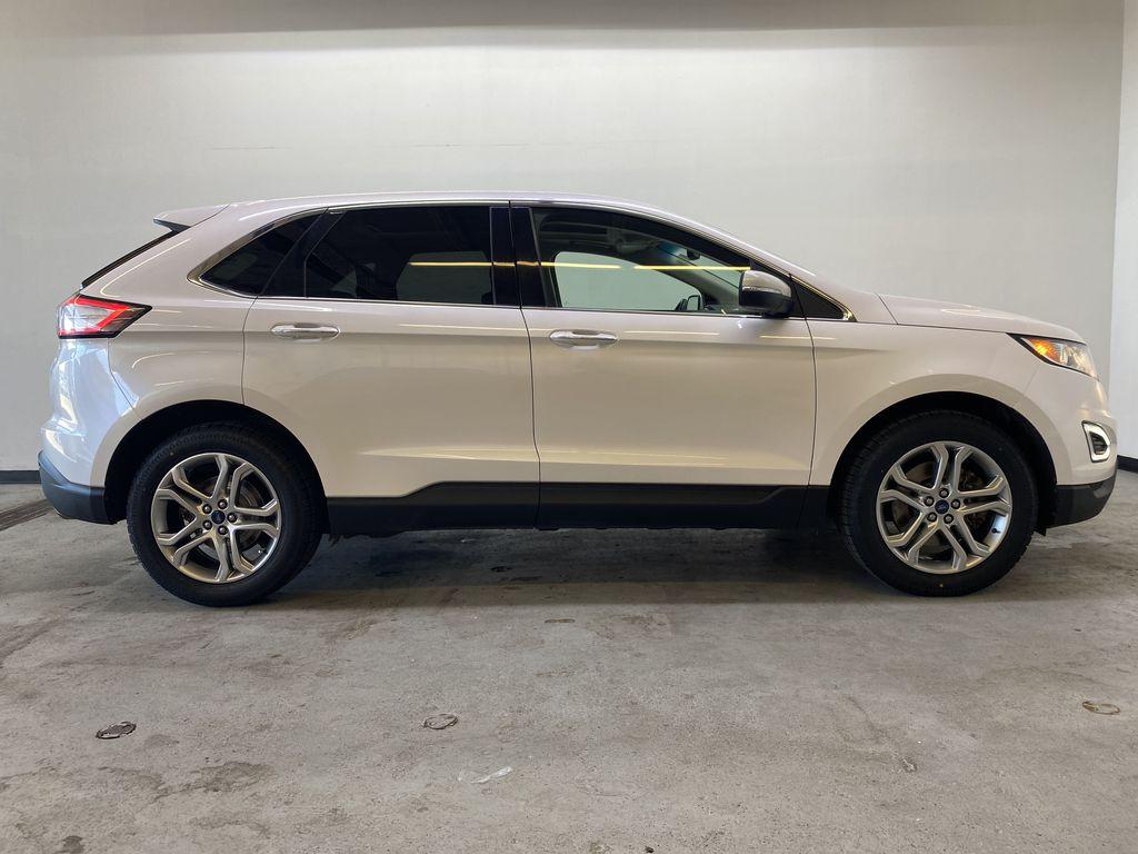 WHITE 2017 Ford Edge Titanium - NAV, Apple CarPlay, Remote Start Right Side Photo in Edmonton AB