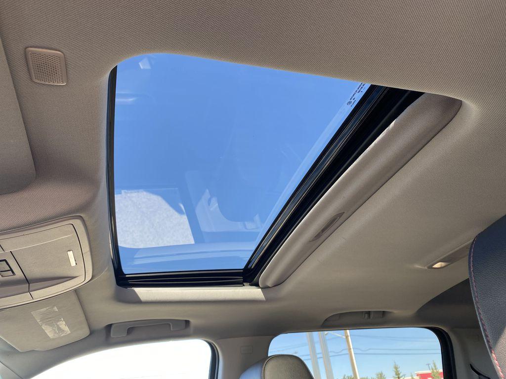 Gray[Dark Slate Metallic] 2018 GMC Sierra 1500 Sunroof Photo in Edmonton AB