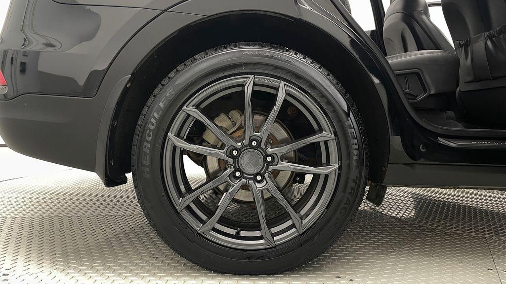Black[Twilight Black] 2017 Hyundai Santa Fe Sport Limited 2.0T AWD - Panoramic Roof, Leather Right Rear Rim and Tire Photo in Winnipeg MB
