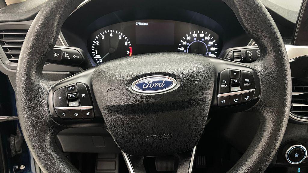 Blue[Blue Metallic] 2020 Ford Escape SE AWD - Apple CarPlay / Android Auto, Bluetooth Additional Photo 2 in Winnipeg MB