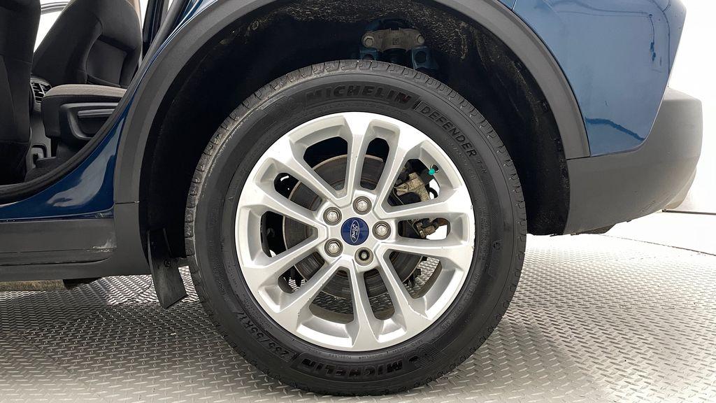 Blue[Blue Metallic] 2020 Ford Escape SE AWD - Apple CarPlay / Android Auto, Bluetooth Left Rear Rim and Tire Photo in Winnipeg MB