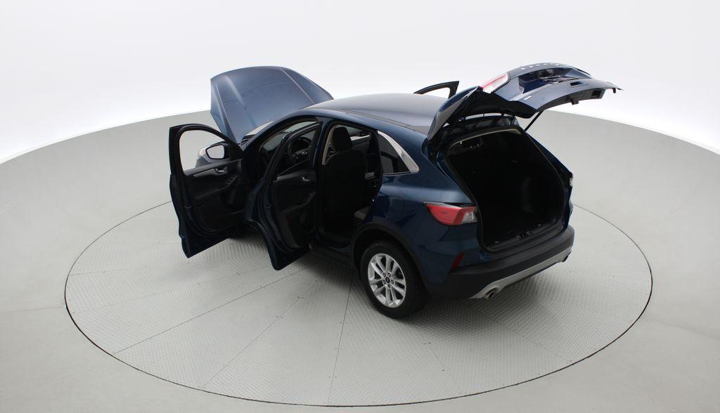 Blue[Blue Metallic] 2020 Ford Escape SE AWD - Apple CarPlay / Android Auto, Bluetooth Right  Rear Corner Photo in Winnipeg MB