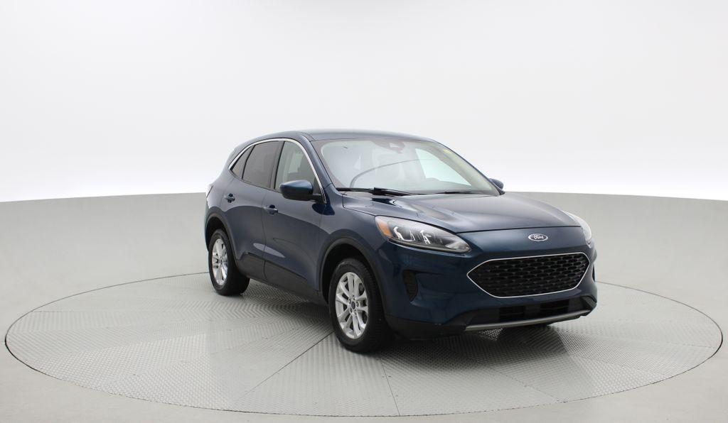 Blue[Blue Metallic] 2020 Ford Escape SE AWD - Apple CarPlay / Android Auto, Bluetooth Left Front Corner Photo in Winnipeg MB