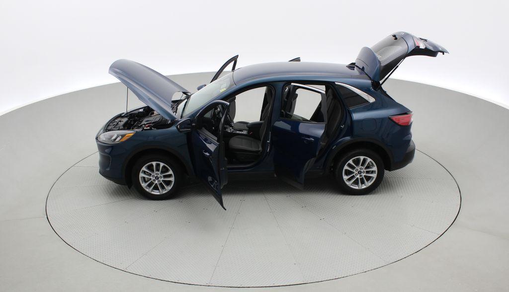 Blue[Blue Metallic] 2020 Ford Escape SE AWD - Apple CarPlay / Android Auto, Bluetooth Left Side Photo in Winnipeg MB