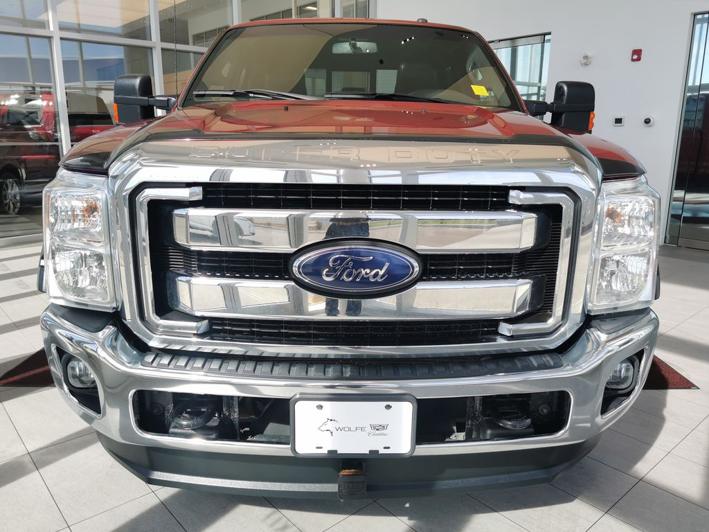 Red[Race Red] 2016 Ford Super Duty F-350 SRW Front Vehicle Photo in Edmonton AB