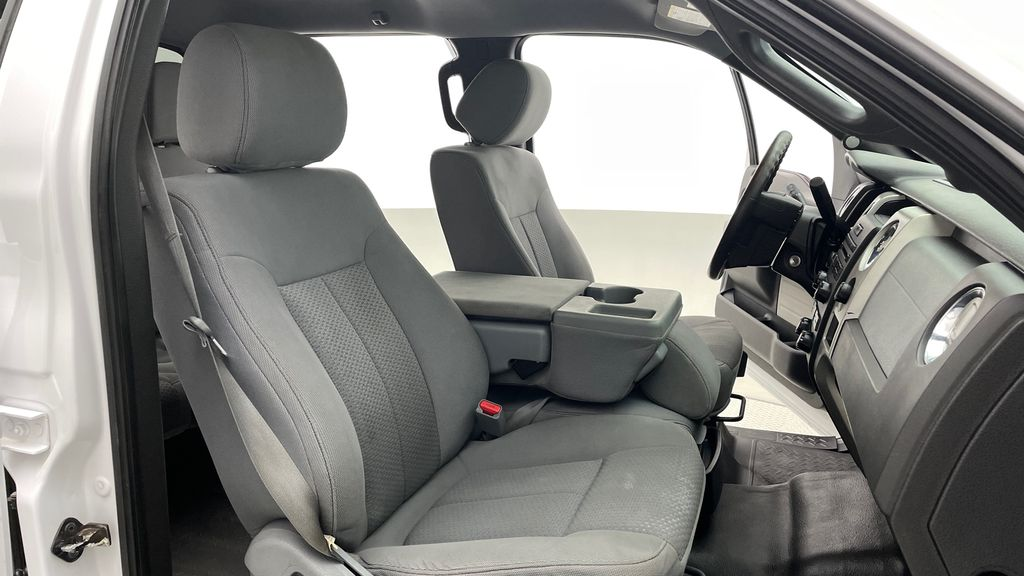 White[Oxford White] 2014 Ford F-150 XLT 4WD - SuperCrew, Black Alloys, Duratracs, 5.0L V8 Right Side Front Seat  Photo in Winnipeg MB