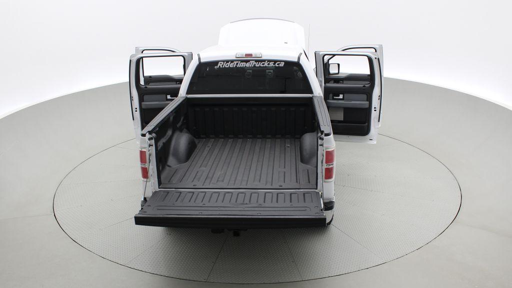 White[Oxford White] 2014 Ford F-150 XLT 4WD - SuperCrew, Black Alloys, Duratracs, 5.0L V8 Rear of Vehicle Photo in Winnipeg MB