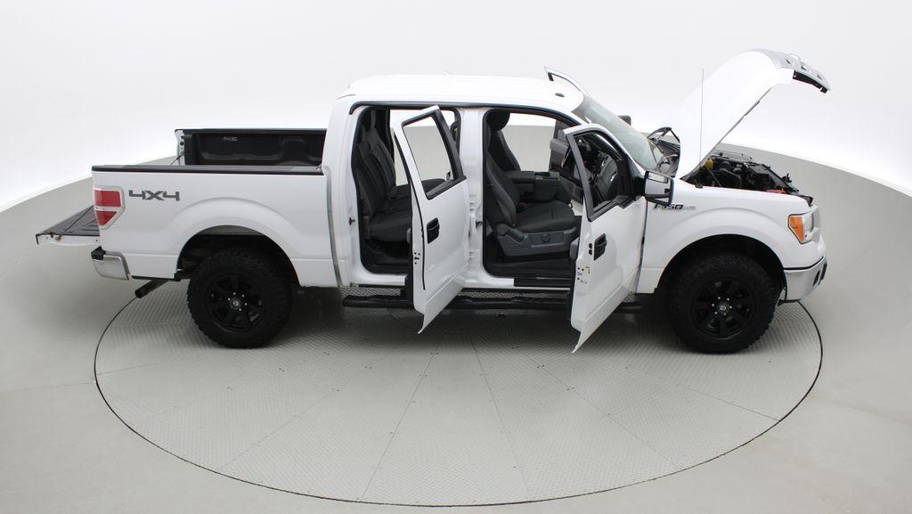 White[Oxford White] 2014 Ford F-150 XLT 4WD - SuperCrew, Black Alloys, Duratracs, 5.0L V8 Right Side Photo in Winnipeg MB