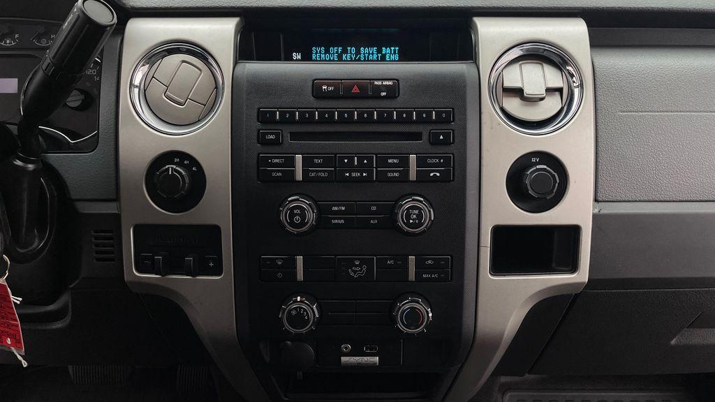 White[Oxford White] 2014 Ford F-150 XLT 4WD - SuperCrew, Black Alloys, Duratracs, 5.0L V8 Additional Photo 2 in Winnipeg MB