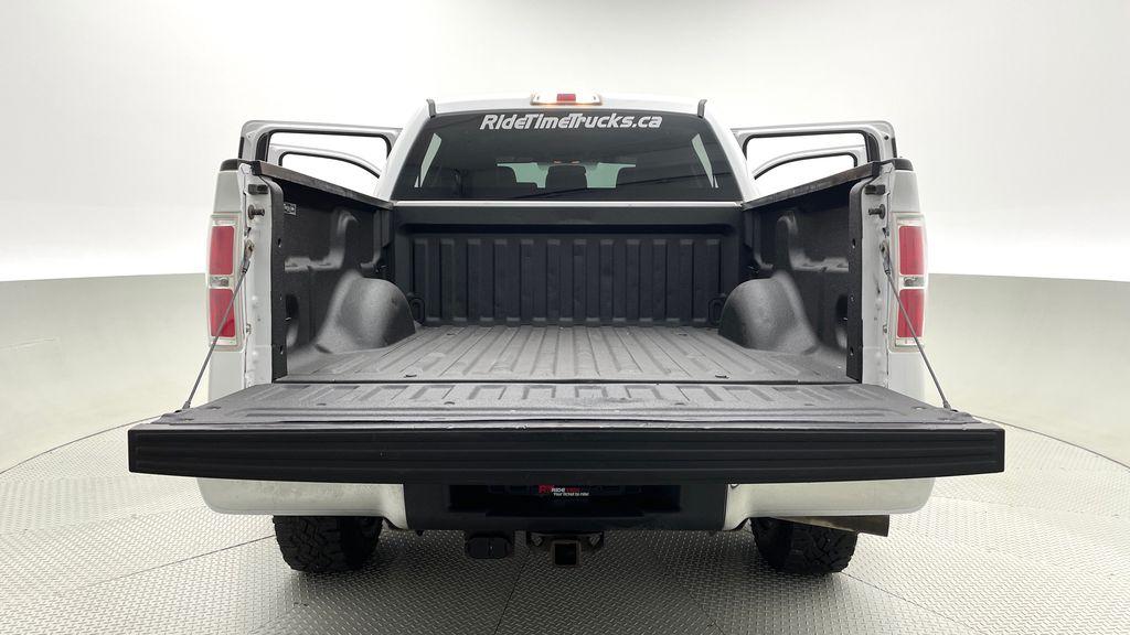 White[Oxford White] 2014 Ford F-150 XLT 4WD - SuperCrew, Black Alloys, Duratracs, 5.0L V8 Box / Cargo Area Photo in Winnipeg MB