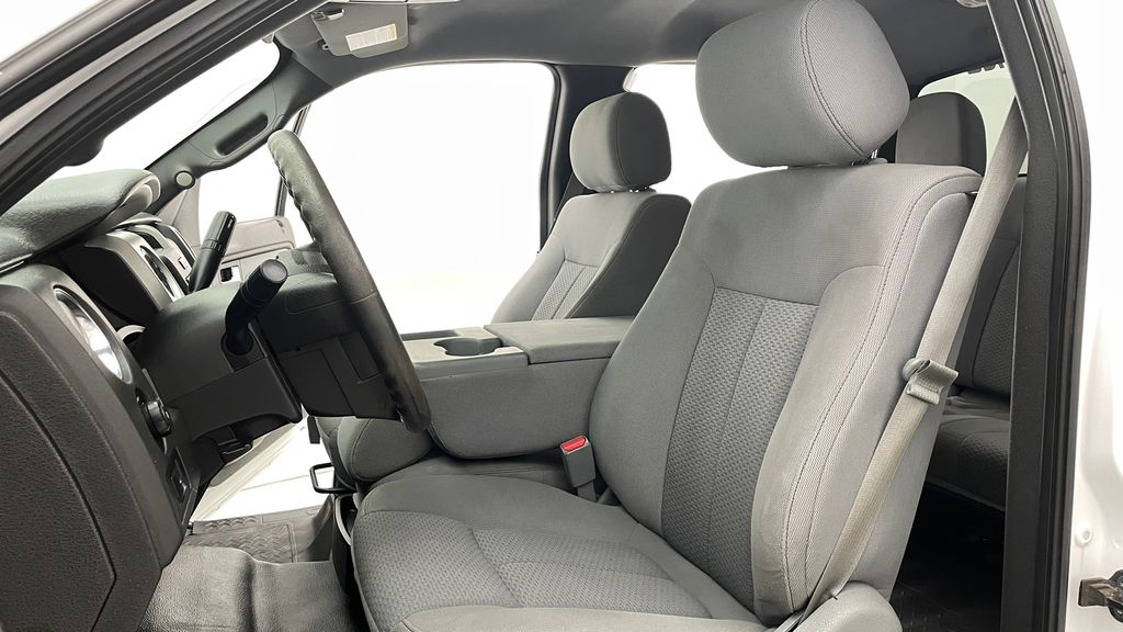 White[Oxford White] 2014 Ford F-150 XLT 4WD - SuperCrew, Black Alloys, Duratracs, 5.0L V8 Left Front Interior Photo in Winnipeg MB
