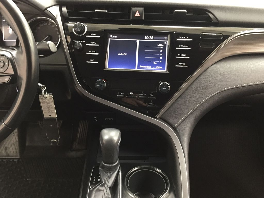 White[Super White] 2019 Toyota Camry SE Central Dash Options Photo in Sherwood Park AB