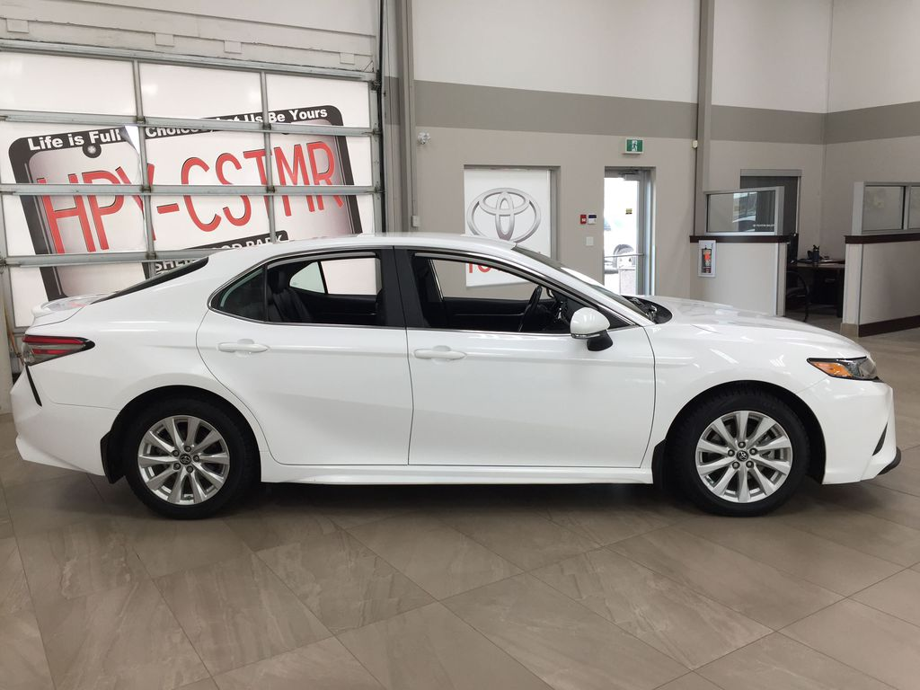 White[Super White] 2019 Toyota Camry SE Right Side Photo in Sherwood Park AB