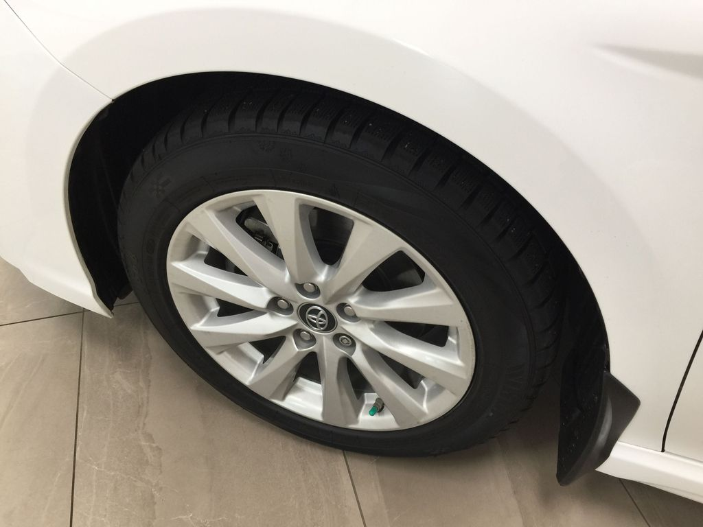 White[Super White] 2019 Toyota Camry SE Left Front Rim and Tire Photo in Sherwood Park AB