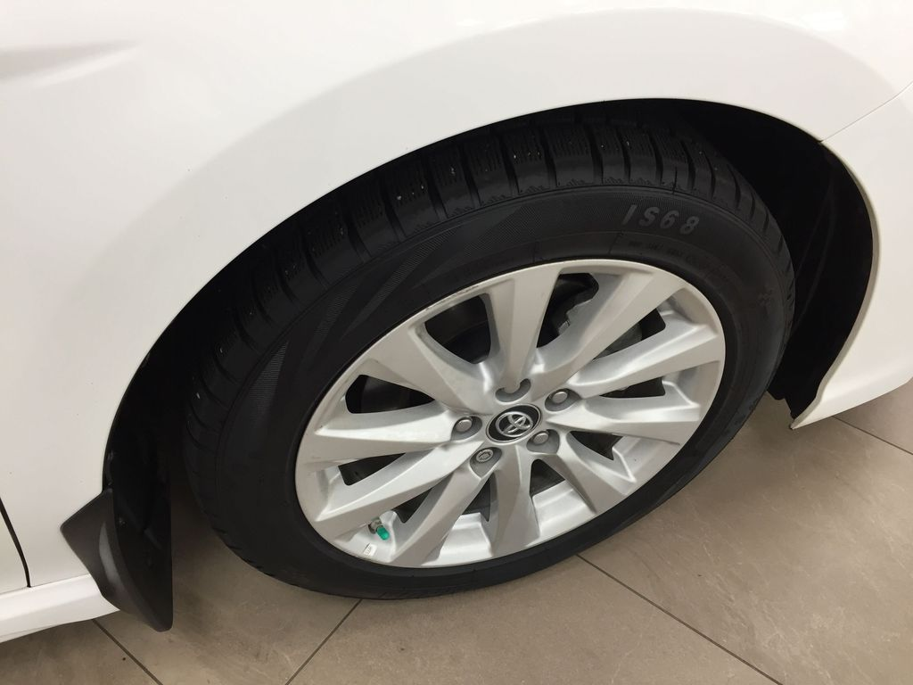 White[Super White] 2019 Toyota Camry SE Right Front Rim and Tire Photo in Sherwood Park AB