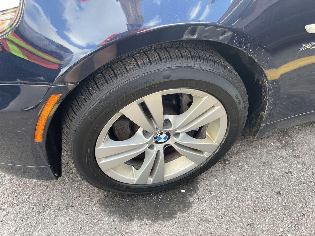 Black[Black Sapphire Metallic] 2010 BMW 5 Series clean Left Front Corner Photo in Brampton ON