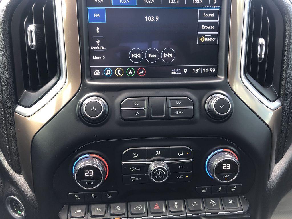 Black[Black] 2019 Chevrolet Silverado 1500 Central Dash Options Photo in Edmonton AB