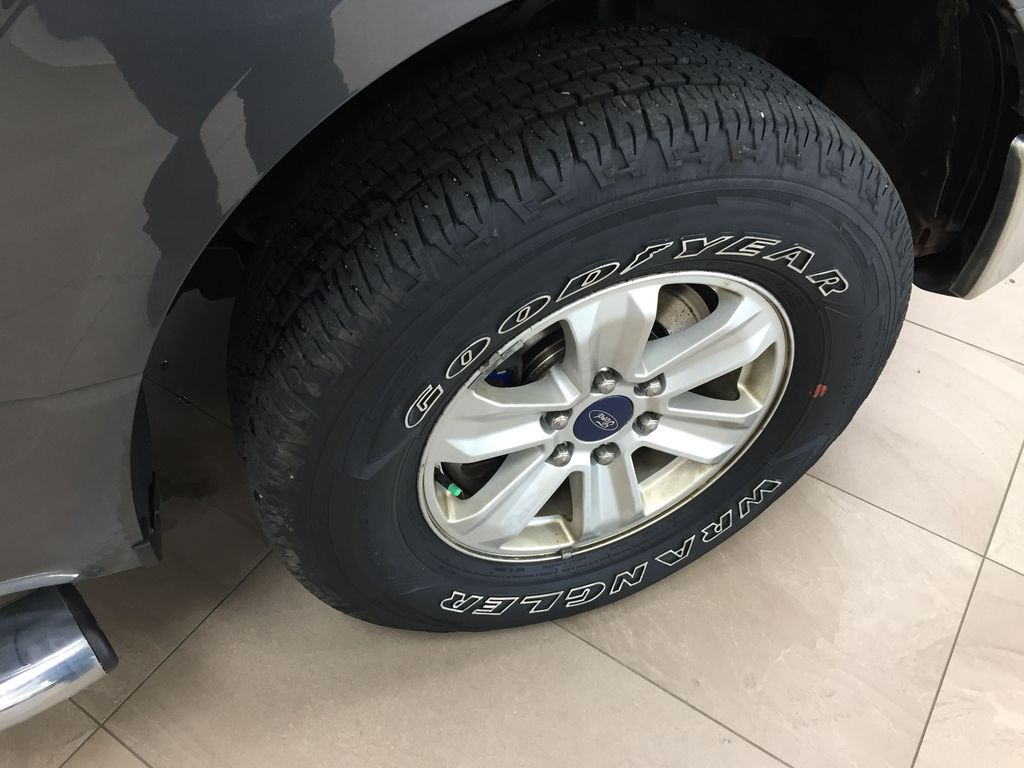 GREY 2015 Ford F-150 XLT 4X4 Right Front Rim and Tire Photo in Sherwood Park AB