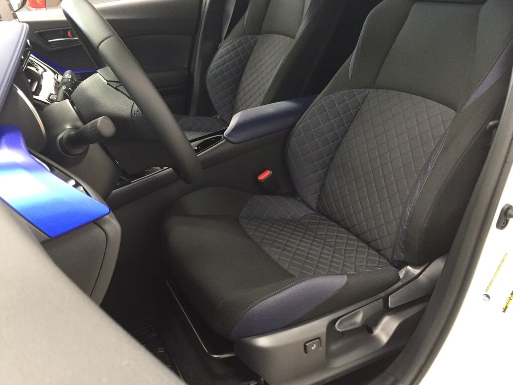 White[Blizzard Pearl] 2021 Toyota C-HR XLE Premium Left Front Interior Photo in Sherwood Park AB