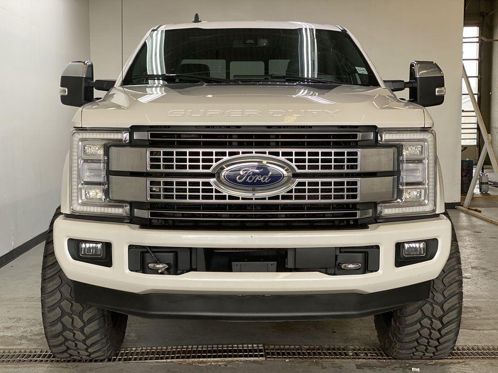 WHITE 2019 Ford Super Duty F-350 SRW Platinum - 360º Camera, Massage Seats, 5th Wheel Hitch Front Vehicle Photo in Edmonton AB