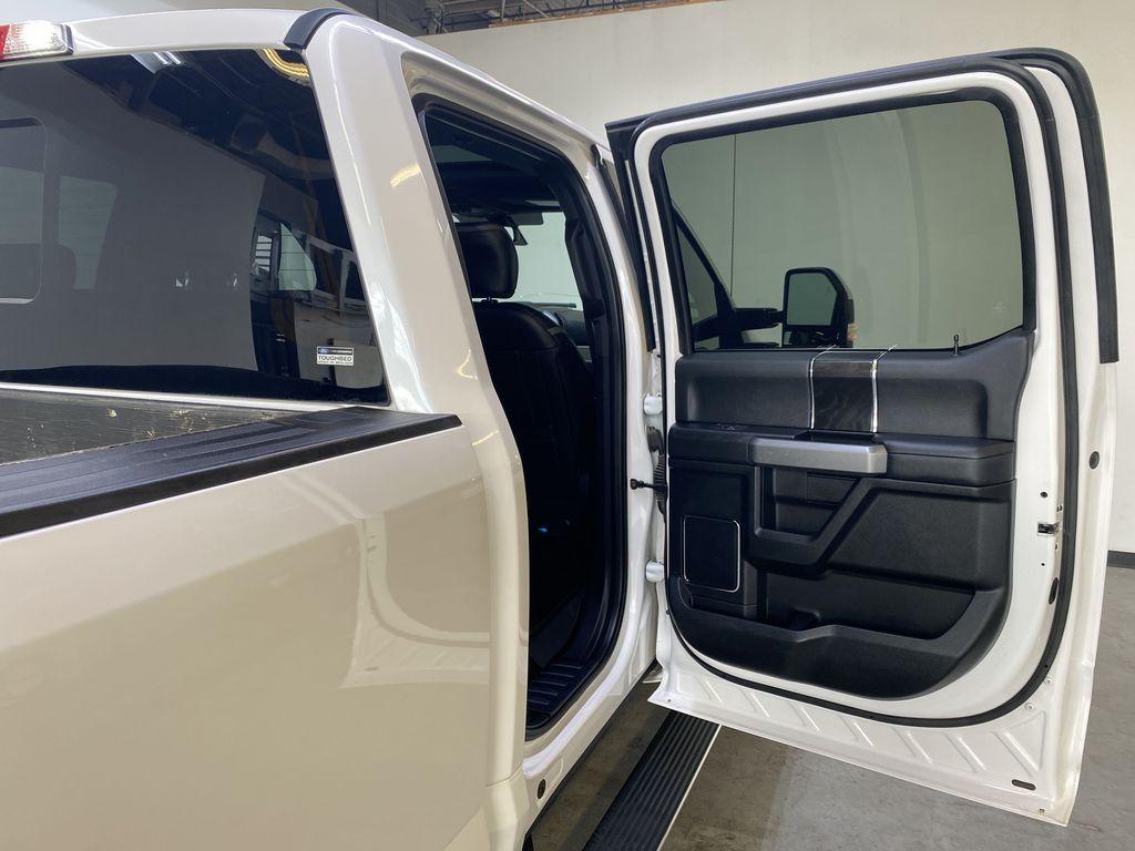 WHITE 2019 Ford Super Duty F-350 SRW Platinum - 360º Camera, Massage Seats, 5th Wheel Hitch Right Rear Interior Door Panel Photo in Edmonton AB
