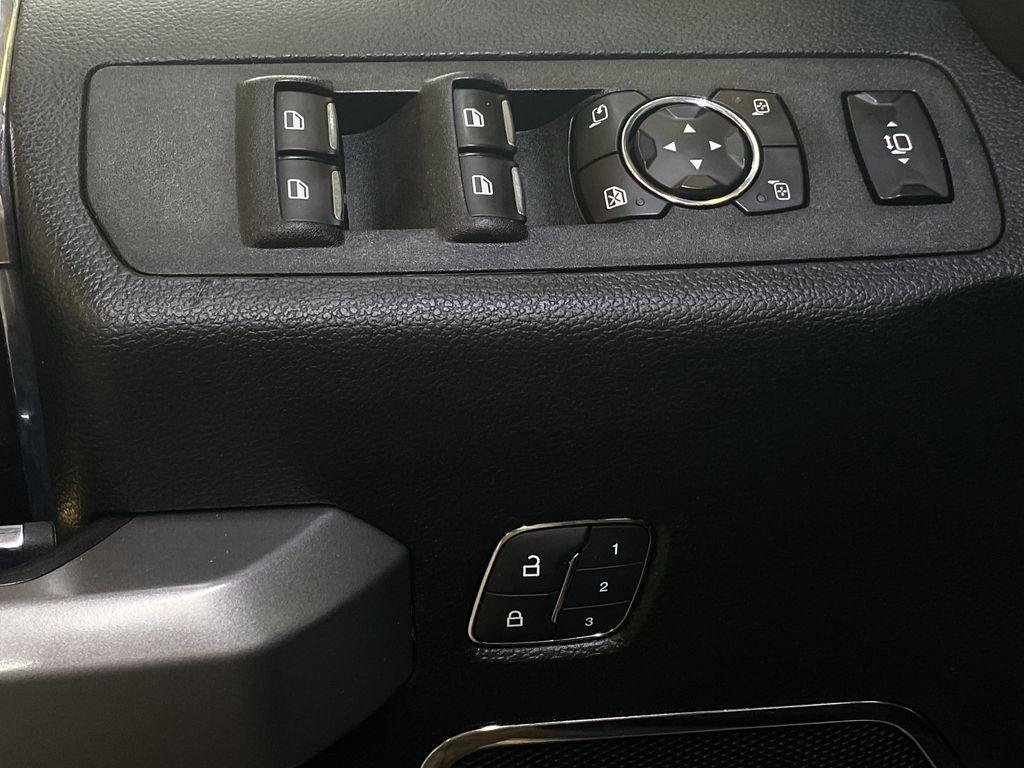 WHITE 2019 Ford Super Duty F-350 SRW Platinum - 360º Camera, Massage Seats, 5th Wheel Hitch  Driver's Side Door Controls Photo in Edmonton AB