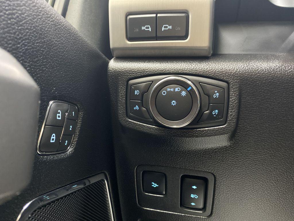 WHITE 2019 Ford Super Duty F-350 SRW Platinum - 360º Camera, Massage Seats, 5th Wheel Hitch Additional Photo in Edmonton AB