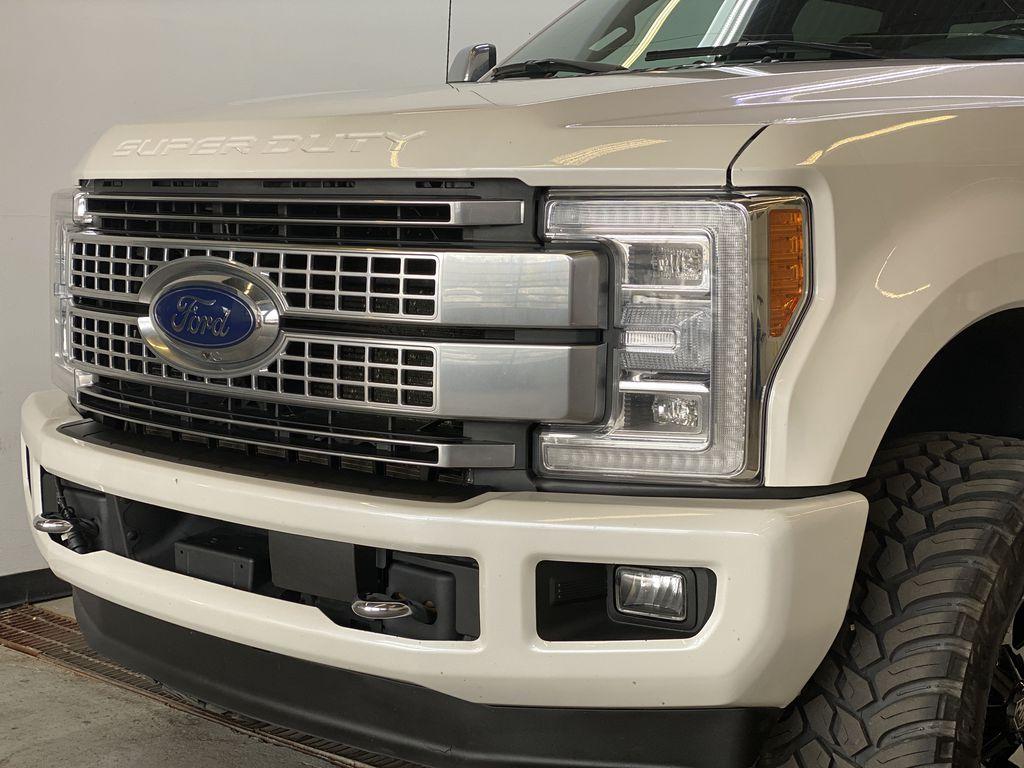 WHITE 2019 Ford Super Duty F-350 SRW Platinum - 360º Camera, Massage Seats, 5th Wheel Hitch Left Front Head Light / Bumper and Grill in Edmonton AB
