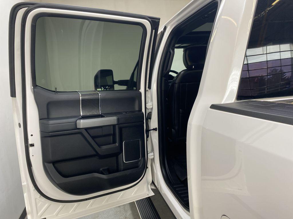 WHITE 2019 Ford Super Duty F-350 SRW Platinum - 360º Camera, Massage Seats, 5th Wheel Hitch Left Rear Interior Door Panel Photo in Edmonton AB