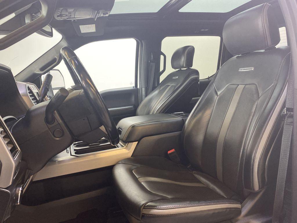WHITE 2019 Ford Super Duty F-350 SRW Platinum - 360º Camera, Massage Seats, 5th Wheel Hitch Left Front Interior Photo in Edmonton AB