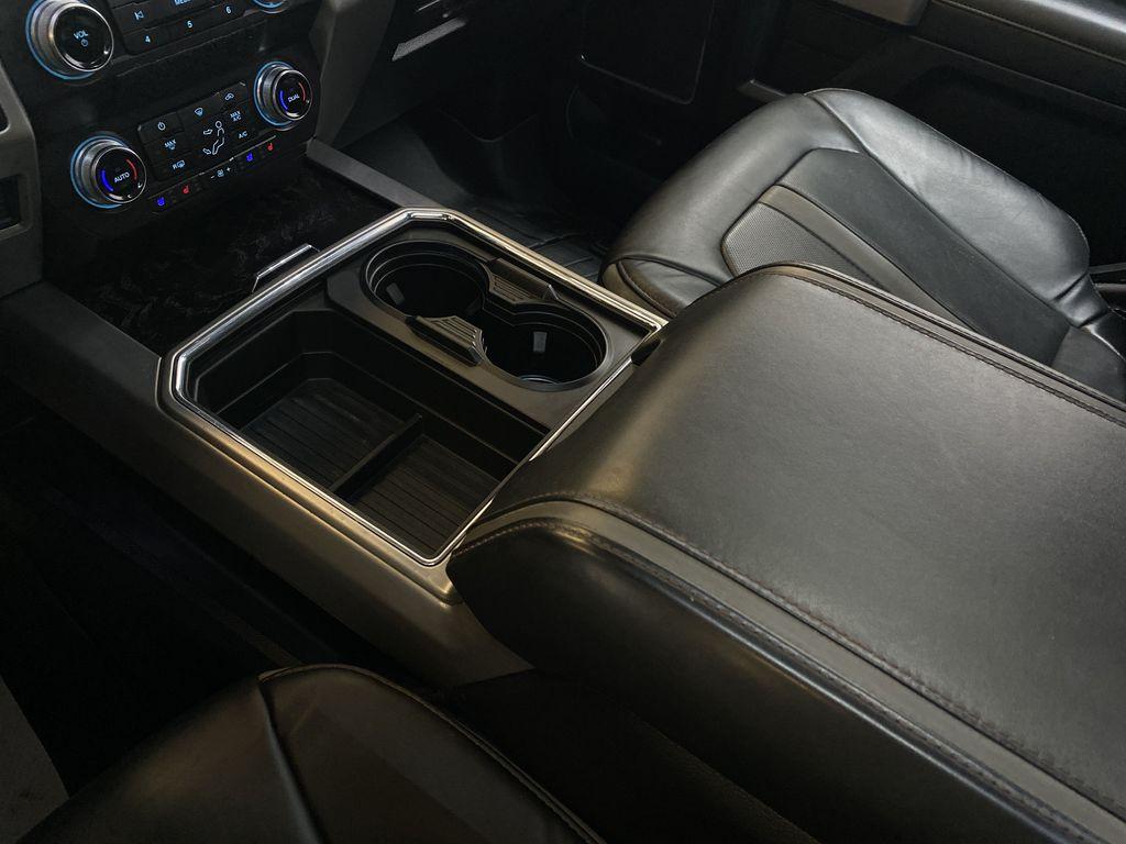 WHITE 2019 Ford Super Duty F-350 SRW Platinum - 360º Camera, Massage Seats, 5th Wheel Hitch Center Console Photo in Edmonton AB