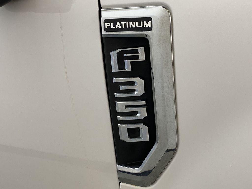 WHITE 2019 Ford Super Duty F-350 SRW Platinum - 360º Camera, Massage Seats, 5th Wheel Hitch Trim Specific Photo in Edmonton AB