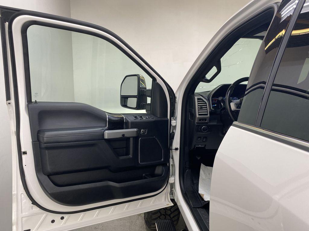 WHITE 2019 Ford Super Duty F-350 SRW Platinum - 360º Camera, Massage Seats, 5th Wheel Hitch Left Front Interior Door Panel Photo in Edmonton AB
