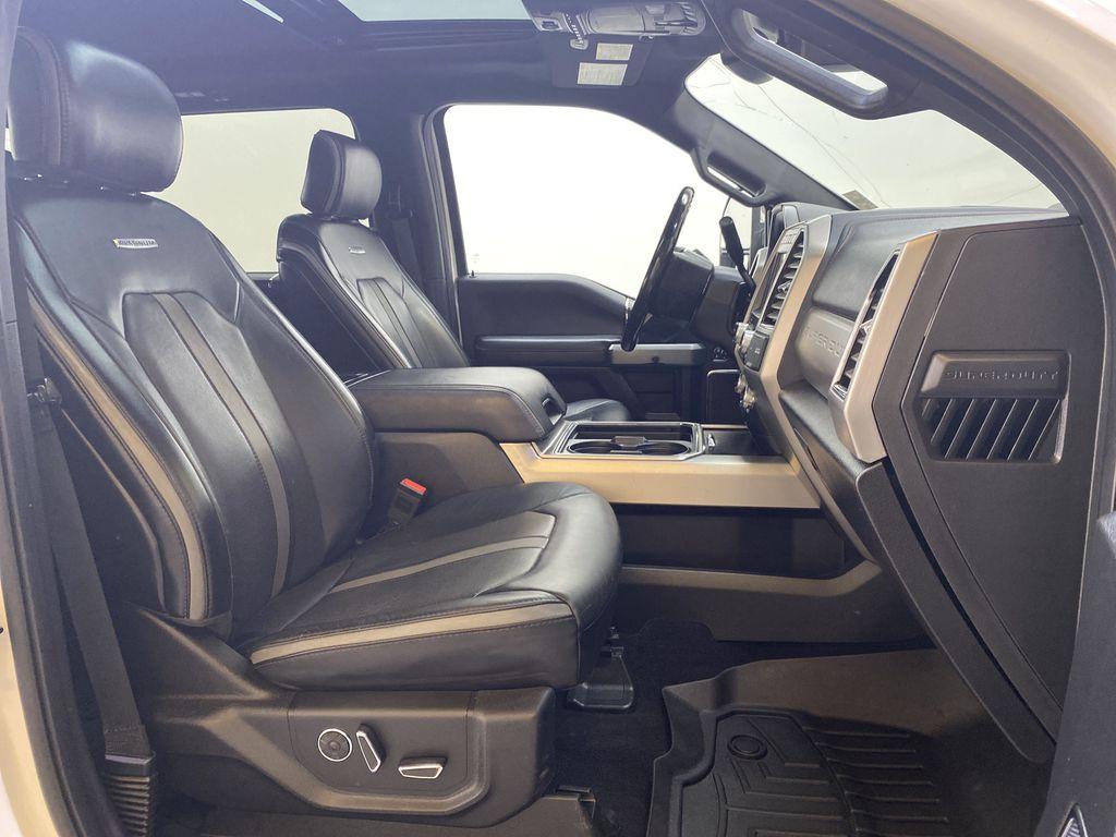 WHITE 2019 Ford Super Duty F-350 SRW Platinum - 360º Camera, Massage Seats, 5th Wheel Hitch Right Side Front Seat  Photo in Edmonton AB