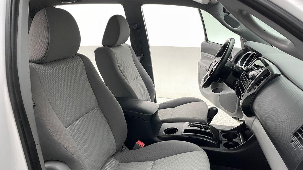 White[Alpine White] 2012 Toyota Tacoma Base 4WD - Double Cab, 4.0L V6, Fiberglass Tonneau Right Side Front Seat  Photo in Winnipeg MB