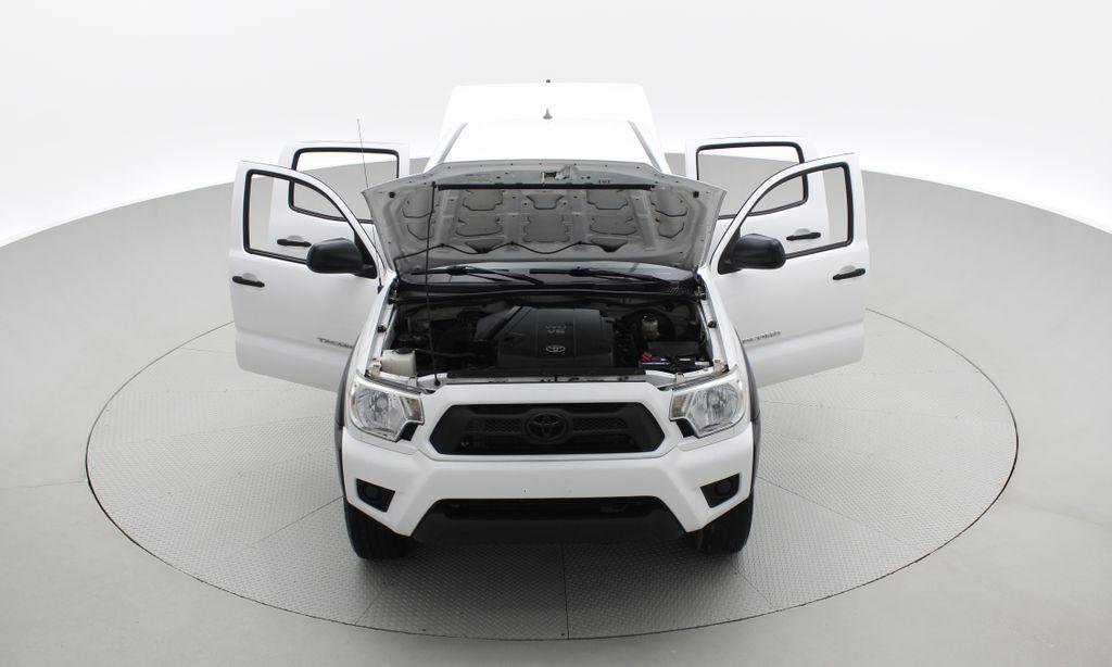 White[Alpine White] 2012 Toyota Tacoma Base 4WD - Double Cab, 4.0L V6, Fiberglass Tonneau Front Vehicle Photo in Winnipeg MB