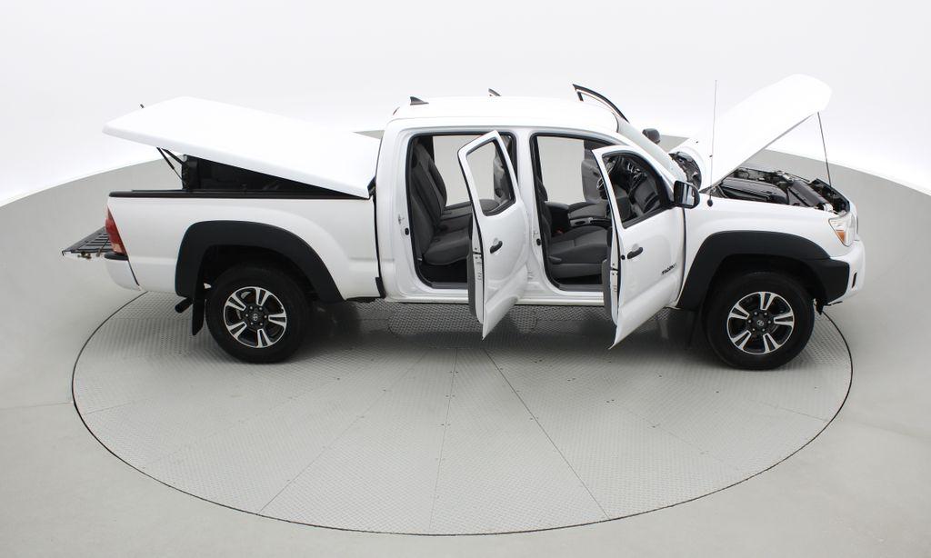 White[Alpine White] 2012 Toyota Tacoma Base 4WD - Double Cab, 4.0L V6, Fiberglass Tonneau Right Side Photo in Winnipeg MB