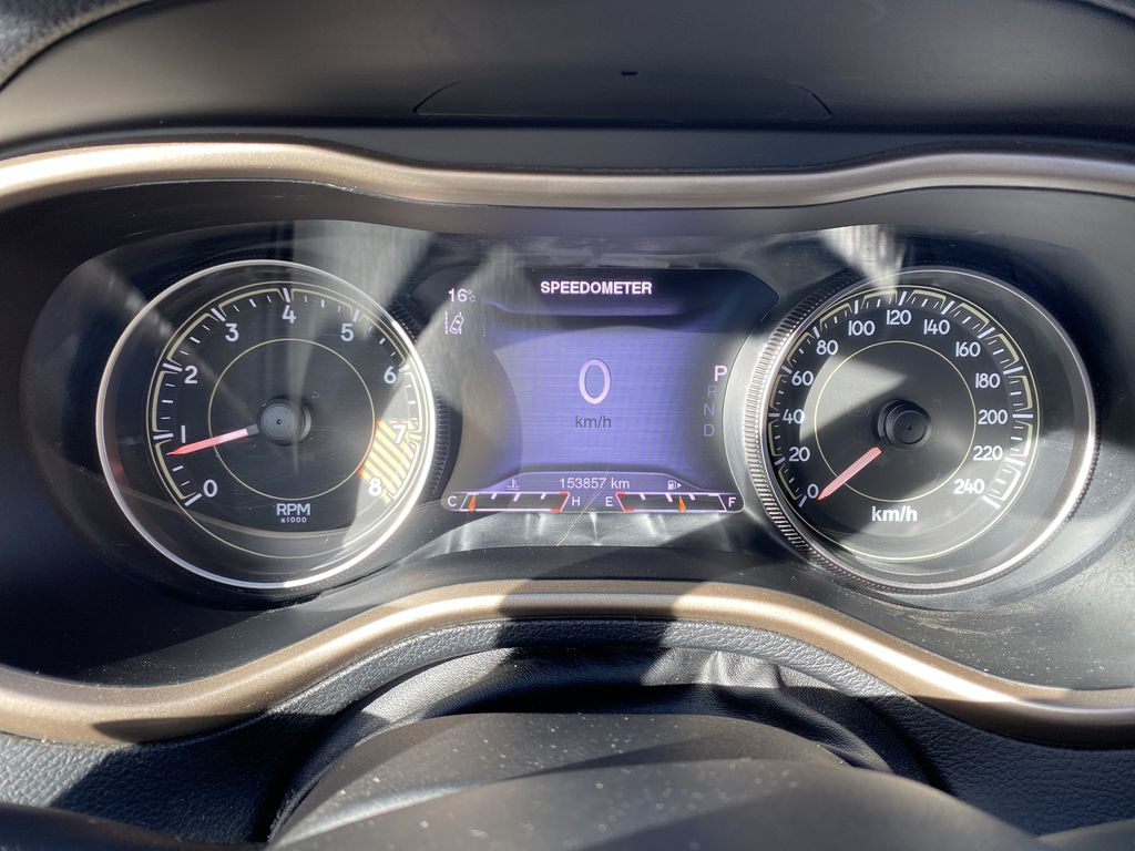White[Bright White Clearcoat] 2014 Jeep Cherokee Odometer Photo in Edmonton AB