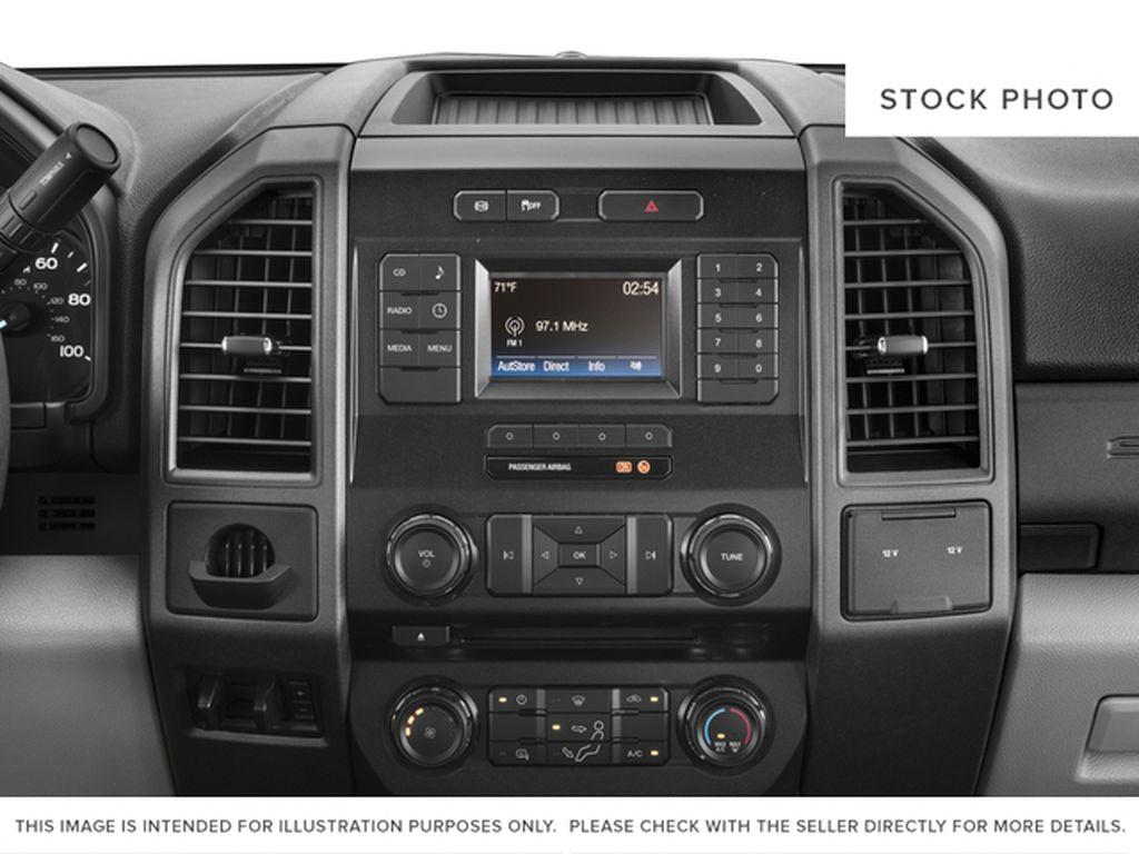 Black[Shadow Black] 2017 Ford Super Duty F-350 DRW Radio Controls Closeup Photo in Fort Macleod AB