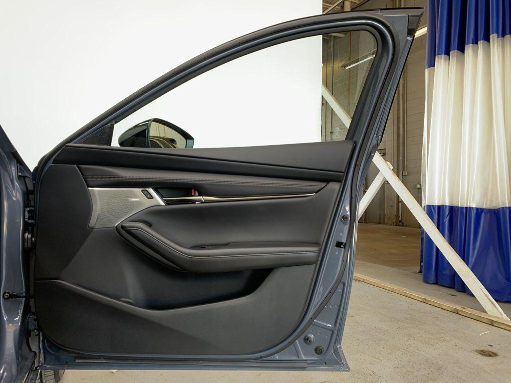 POLYMETAL GREY METALLIC(47C) 2021 Mazda Mazda3 Sport GT Turbo Premium AWD Right Front Interior Door Panel Photo in Edmonton AB
