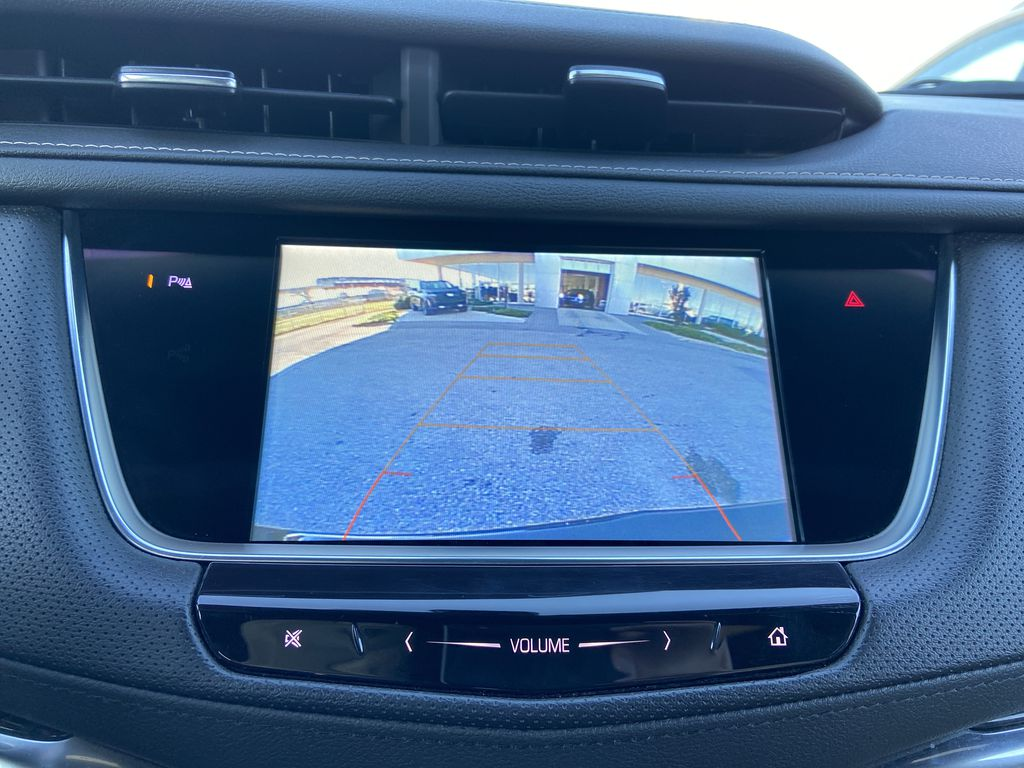 Black[Manhattan Noir Metallic] 2019 Cadillac XT5 Backup Camera Closeup Photo in Calgary AB