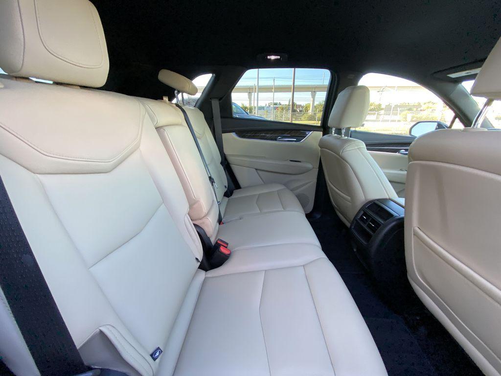 Black[Manhattan Noir Metallic] 2019 Cadillac XT5 Right Side Rear Seat  Photo in Calgary AB