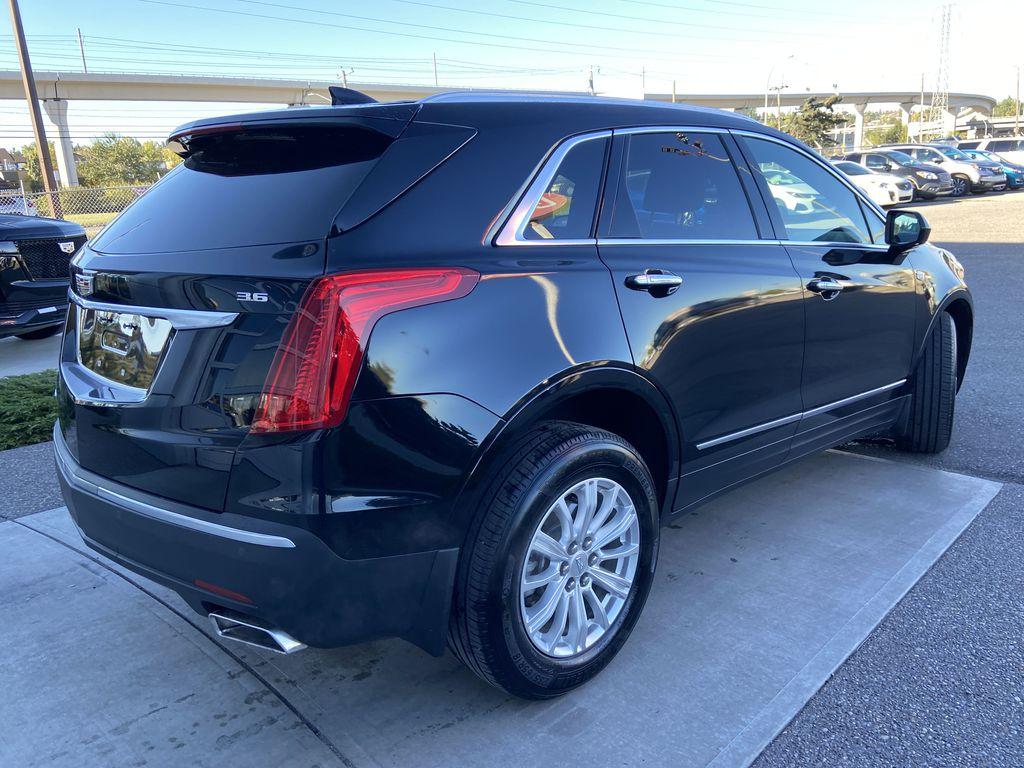 Black[Manhattan Noir Metallic] 2019 Cadillac XT5 Right Rear Corner Photo in Calgary AB
